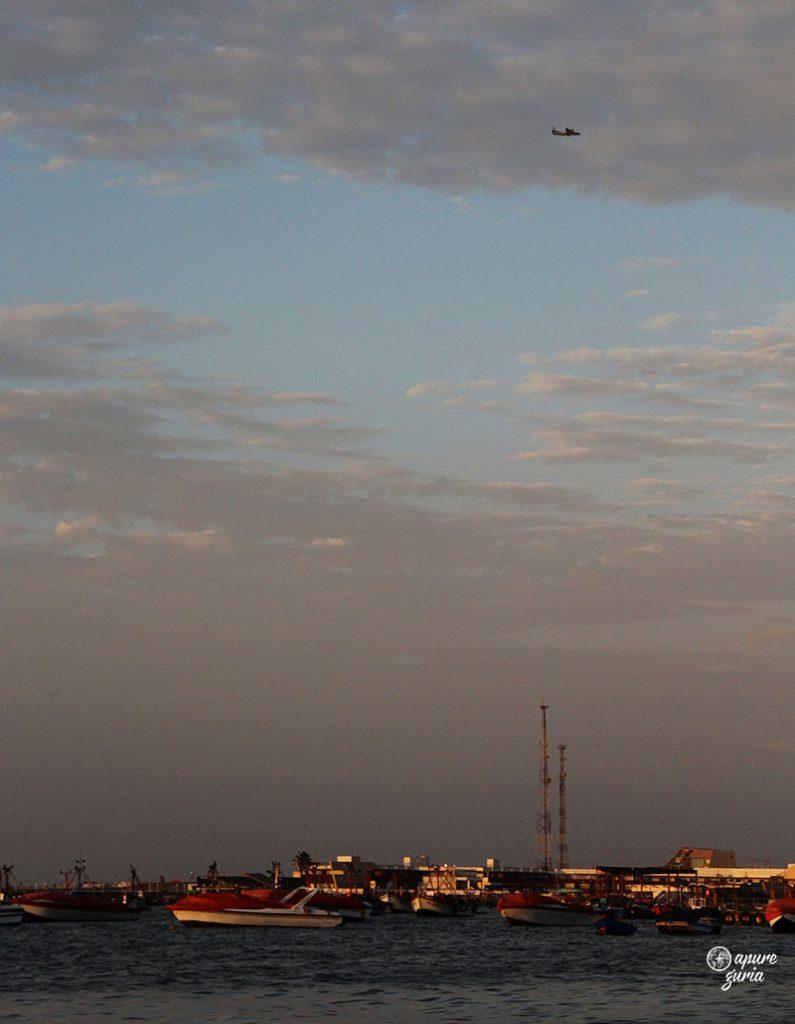 barcos paracas avião