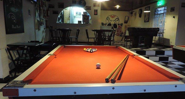 bares de rock em curitiba olds pub