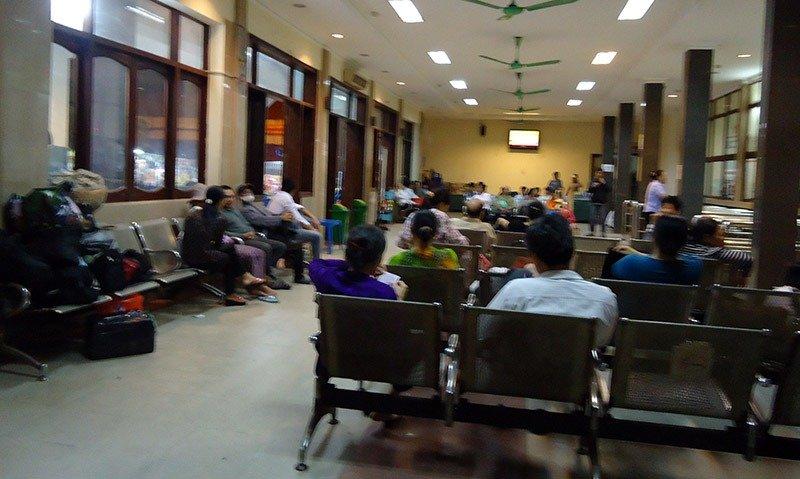 estação de trem hanoi vietna