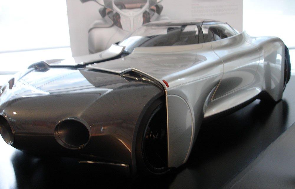 mercedes benz carro futurista prateado