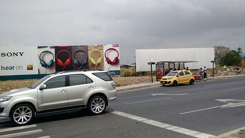 ponto d eonibus aeroporto panama