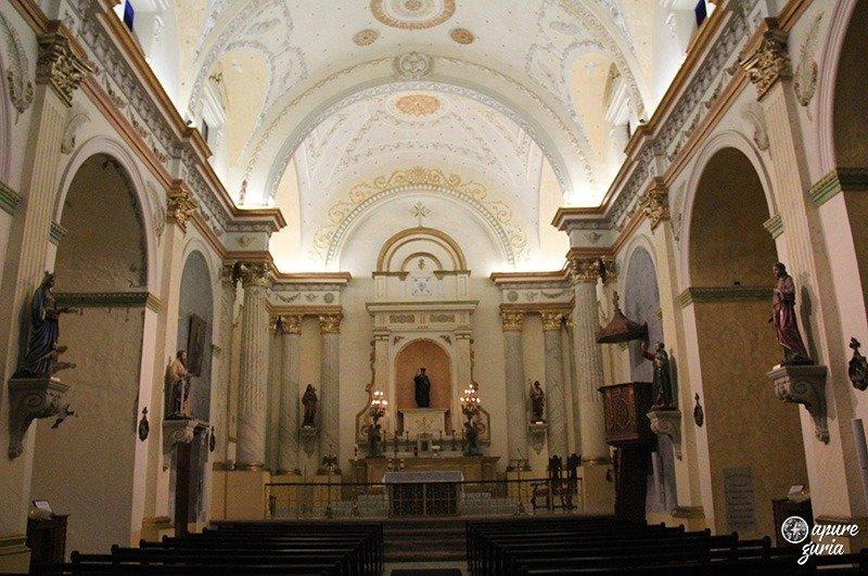 casco viejo igreja plaza