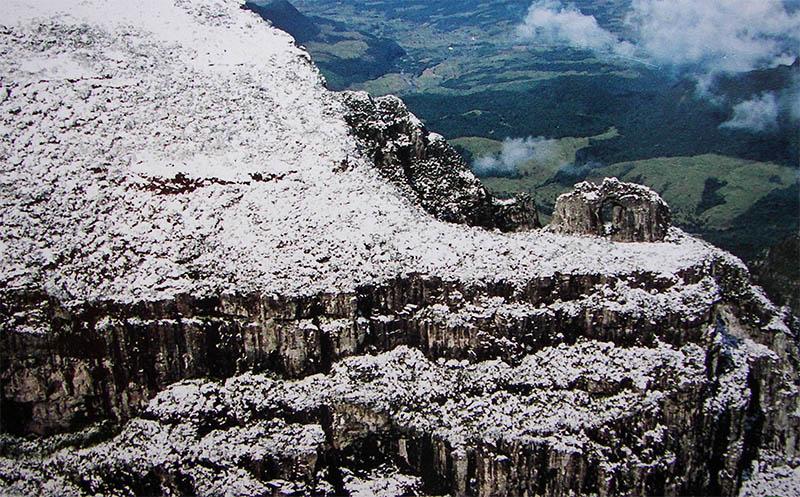 pedra furada urubici são joaquim neve