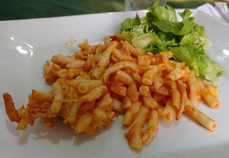 barbados comida típica macaroni pie