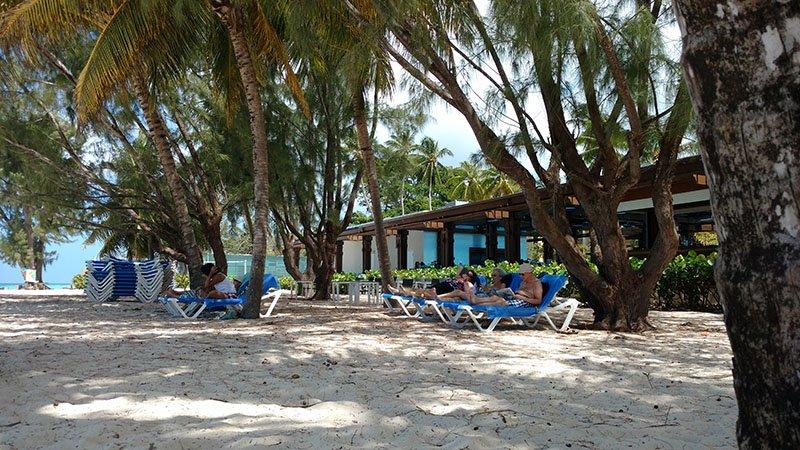 praia-terceira-idade-barbados