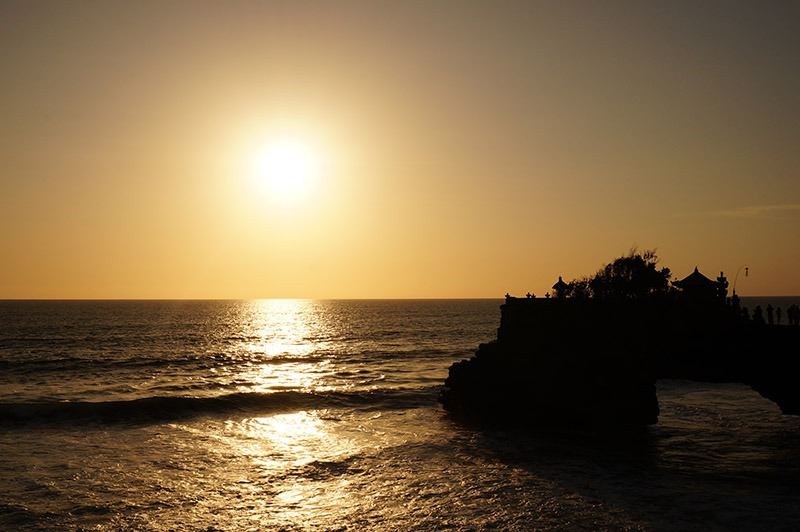 por-do-sol-templo-em-bali-tanah-lot