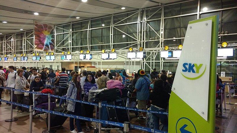 aeroporto de santiago sky airlines