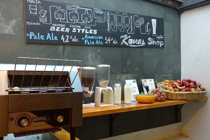 cafe-da-manha-hostel-em-santiago-providencia-frutas