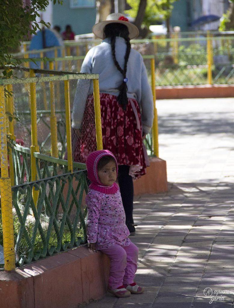 criança boliviana uyuni