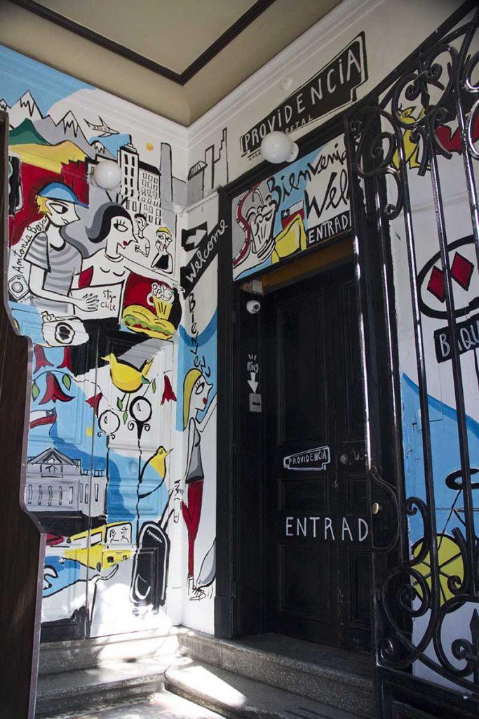entrada-hostel-em-santiago-providencia