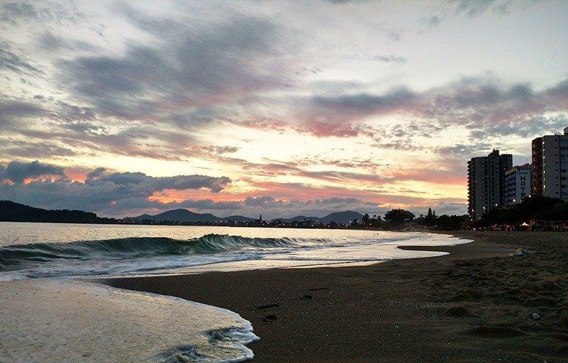 ceu nascer do sol picarras santa catarina praia