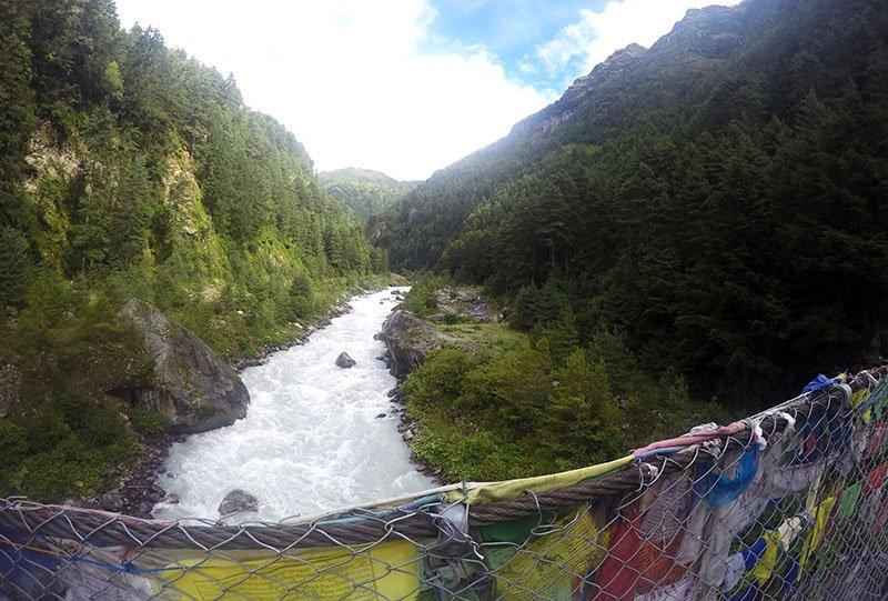 como é o trakking everest camp base nepal