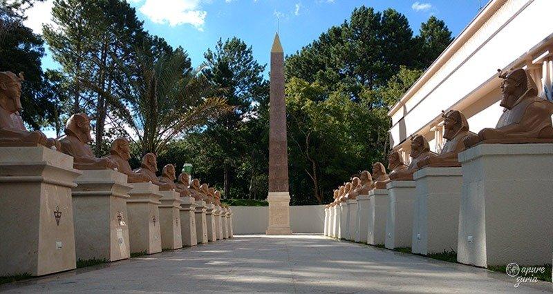 museu egipcio de curitiba corredor esfinges