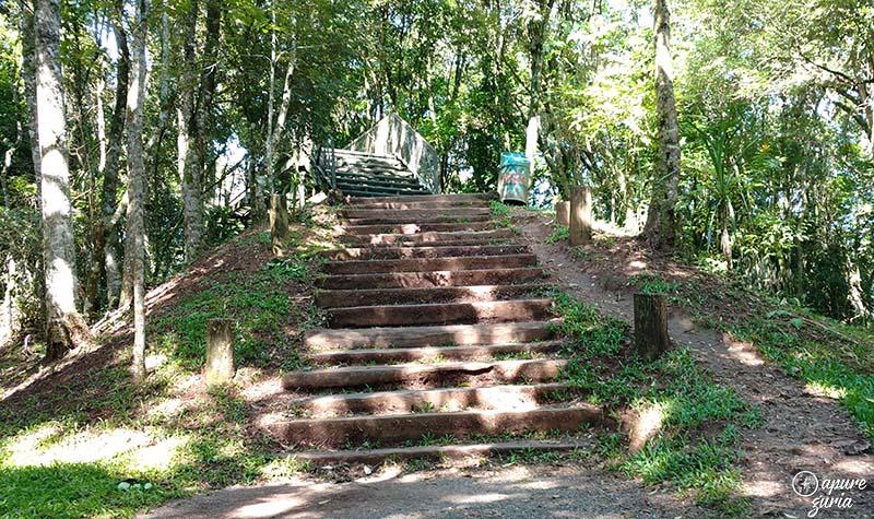 parque passauna em curitiba escadas