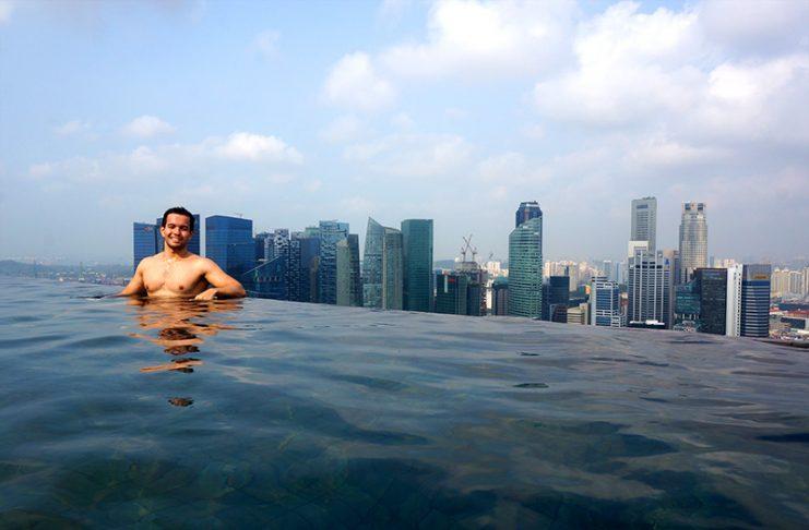 piscina com borda infinita marina bay sands singapura