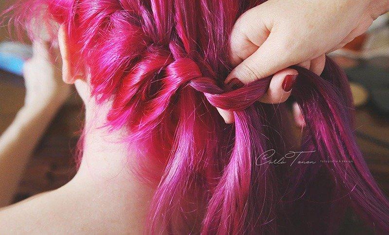 tranca cabelo rosa colorido noiva casamento de viagem