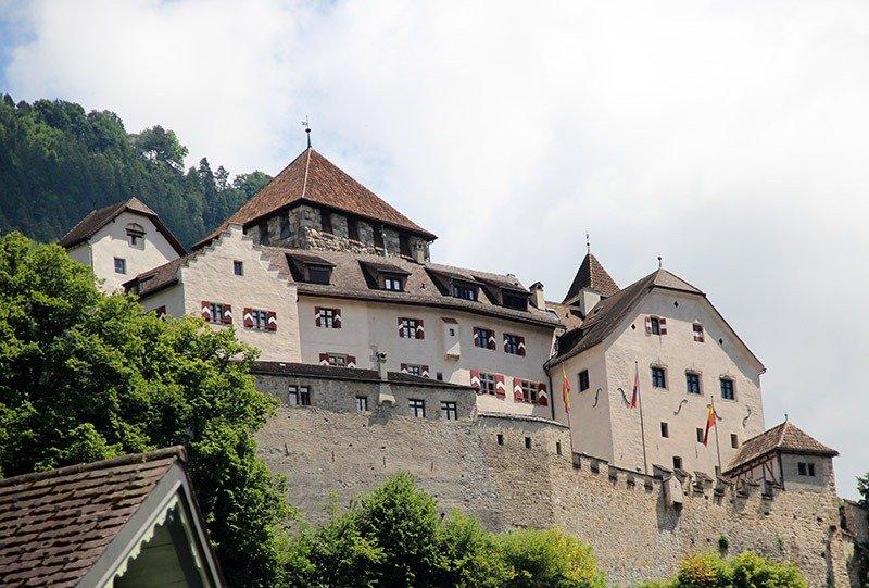 castelo de liechtenstein vaduz