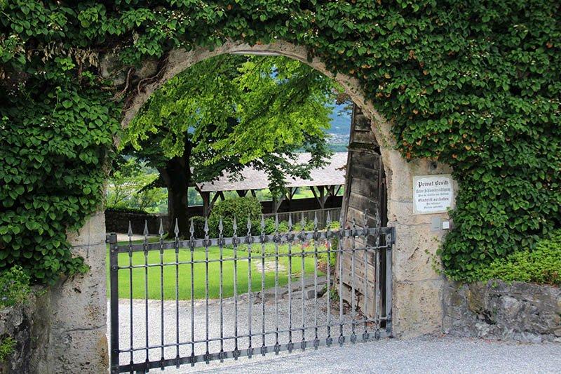entrada castelo de liechtenstein vaduz