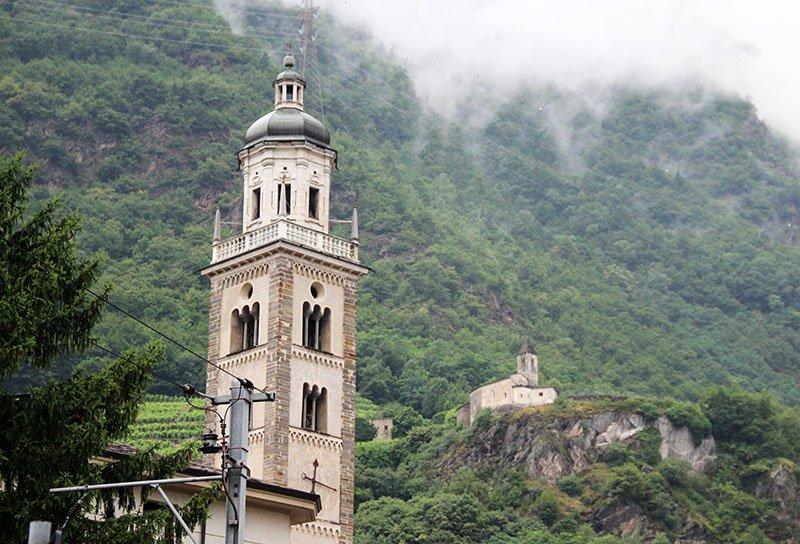 torre do sino basilica di tirano italia