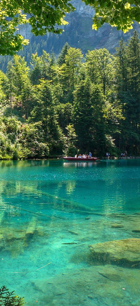 Blausee, paraiso na Suíça, um dos lagos mais transparentes do mundo