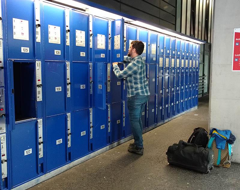 armario bagagem estacao central trem em lucerna suica