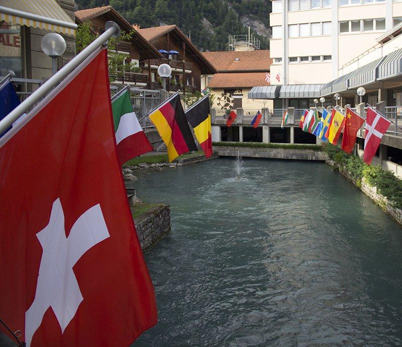 bandeiras interlaken rio aare