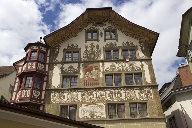casa pintada em lucerna suica
