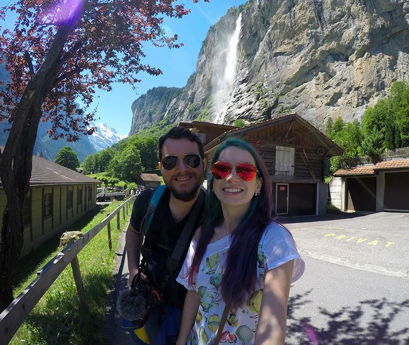 cidade com cachoeira na suiça lauterbrunnen