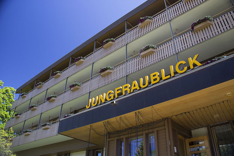 fachada jungfraublick hotel em wengen