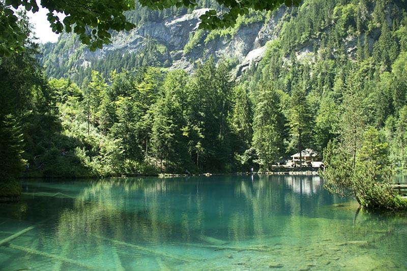 lugares incriveis para conhecer na suica blausee