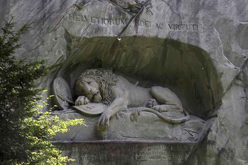 monumento leao em lucerna roteiro 1 dia