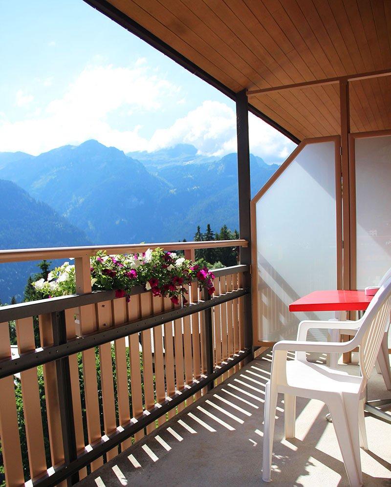 quarto com sacada em wengen suica