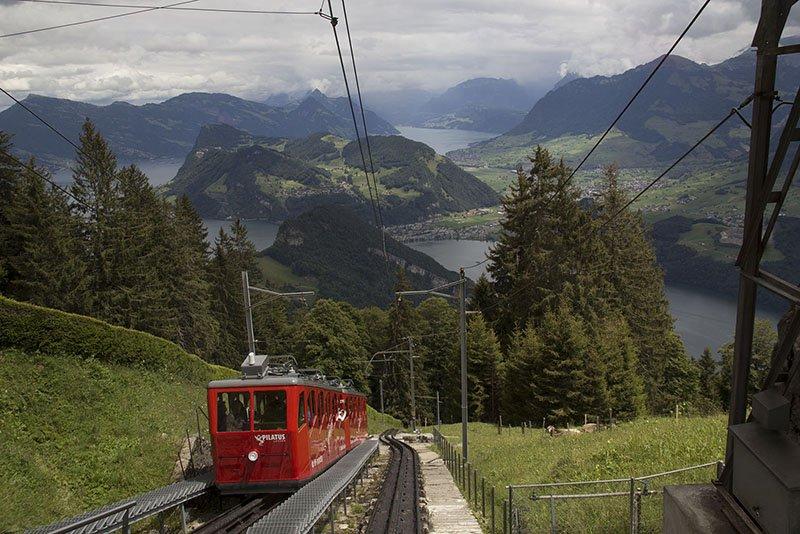 subindo o monte pilatus na suiça