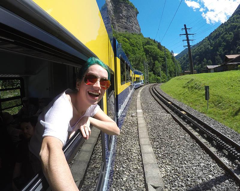 viajar de trem pela suica montanhas