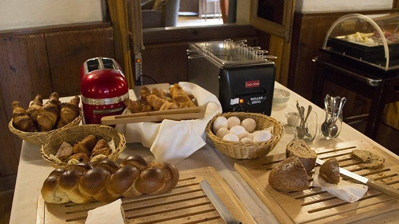 cafe da manha hotel em cully suica