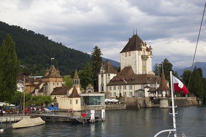 castelos lago thun interlaken barco
