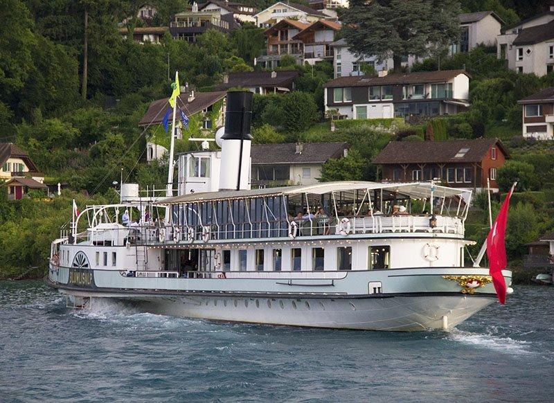 cruzeiros no lago suiça thun barco