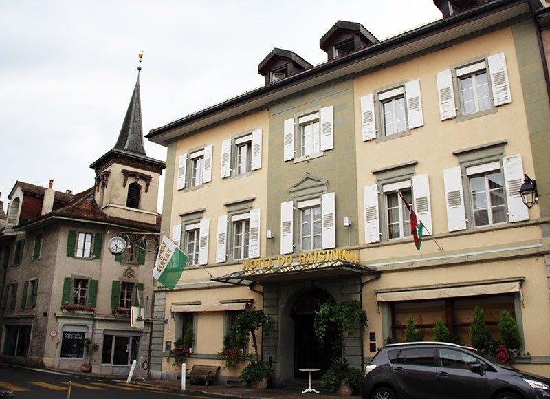 hotel du raisin cully suica