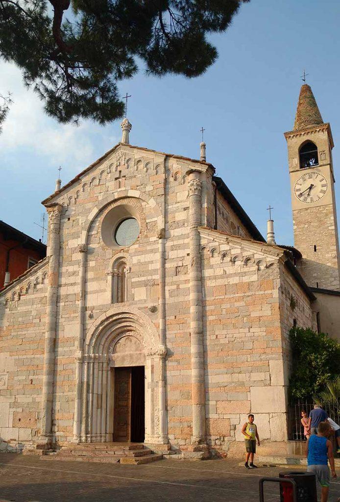 igreja em toscolano maderno lago di garda