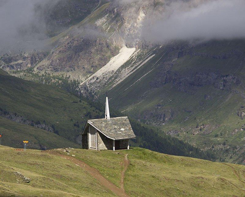 igreja nas montanhas zermatt