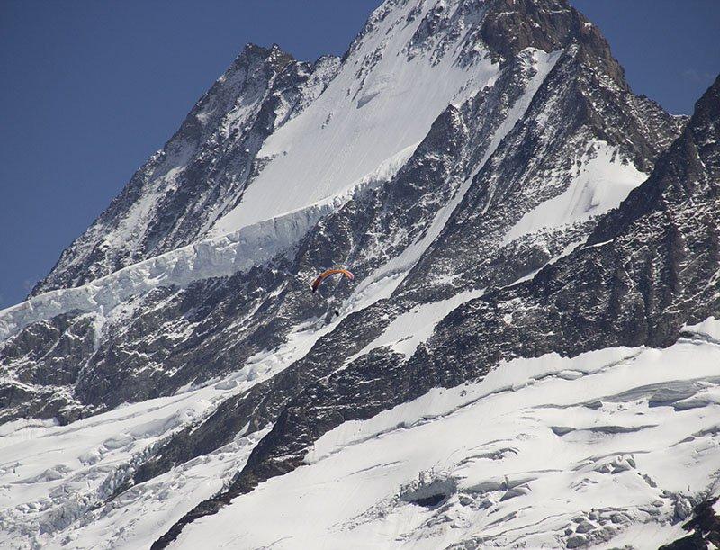 paragliding eiger grindelwald first suica