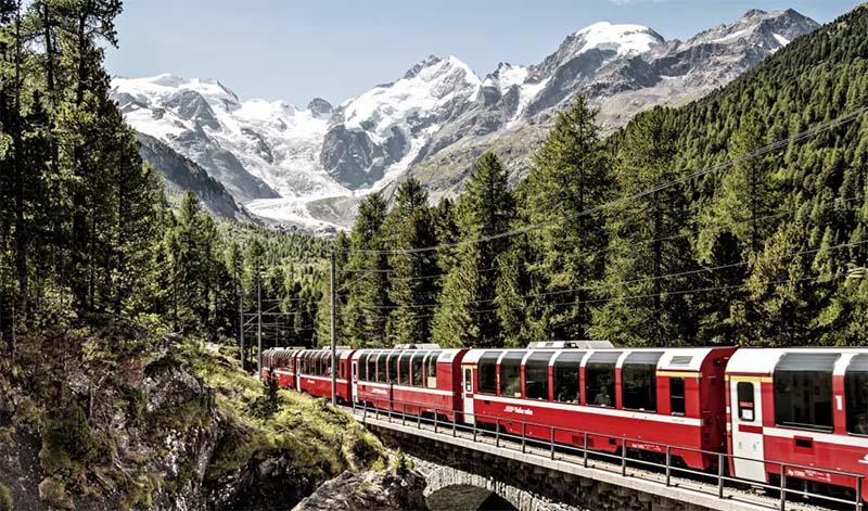 trem panoramico na suiça bernina express