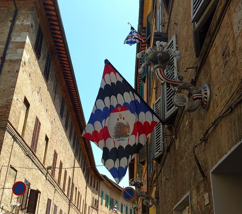 bandeira contrada siena
