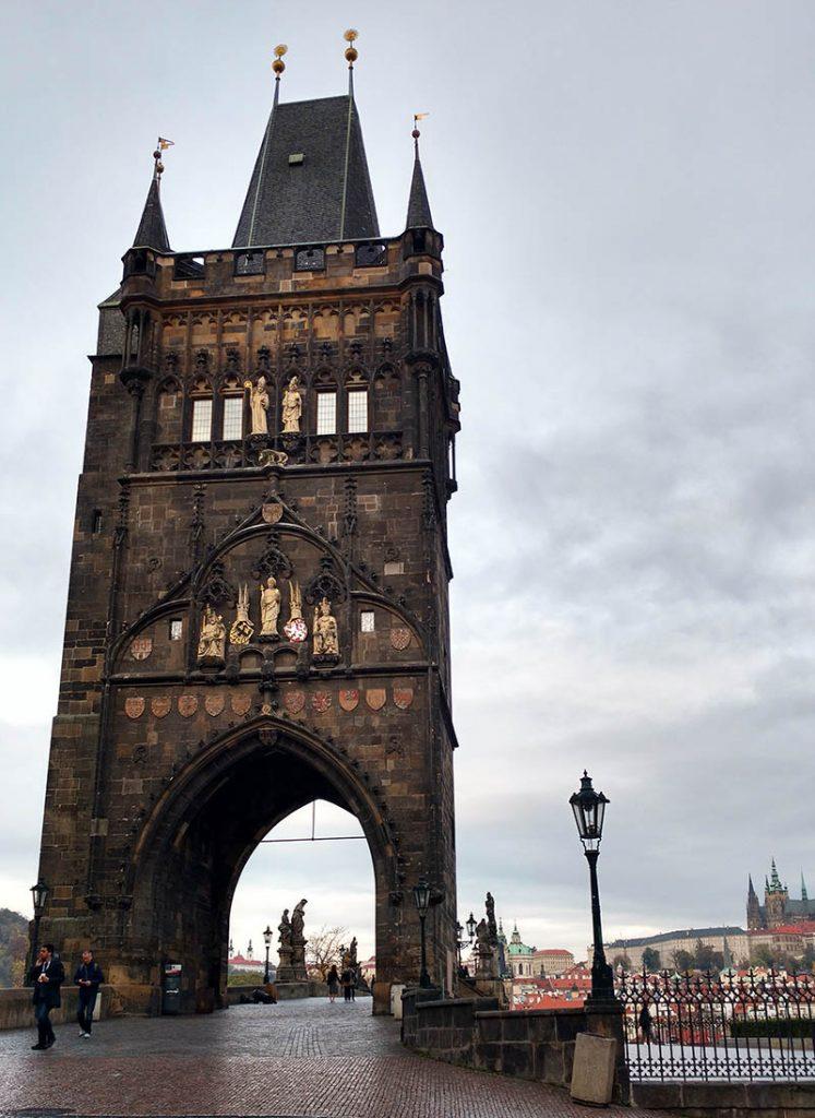 entrada da ponte charles torre