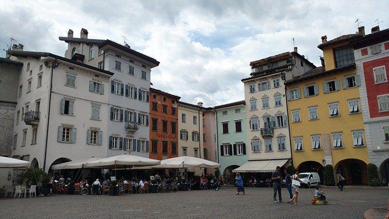 piazza del duomo trento italia
