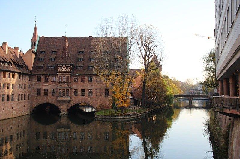 casa em cima da agua ponte nuremberg