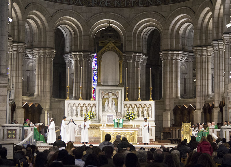 catedral sacre couer por dentro interior missa