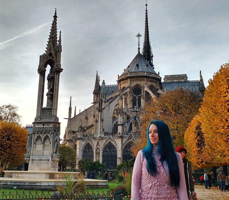 fundos catedral notre dame no outono paris