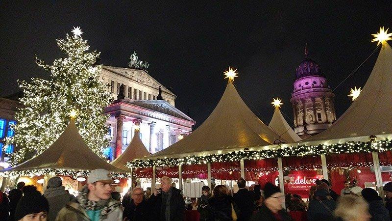 feira de natal famosa em berlim gendarmenmarkt