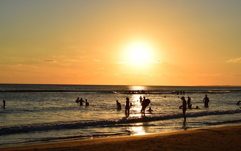 praia em punta del este uruguai por do sol